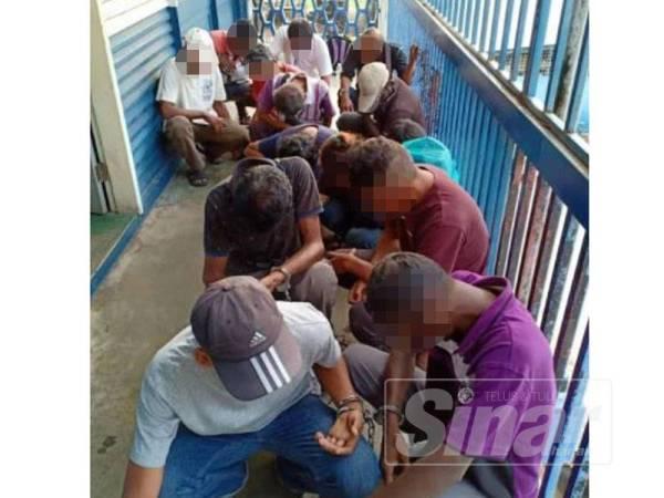 Seramai 14 individu melakukan pelbagai kesalahan dadah ditahan di kawasan Jalan Masjid Kapitan Keling semalam.