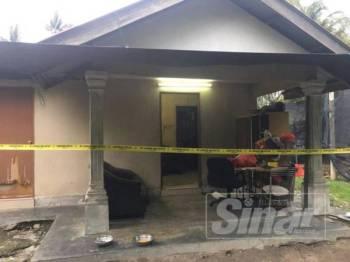 Dua mayat dipercayai warga asing ditemui di sebuah rumah di Kampung Tali Air, Banting, kelmarin.
