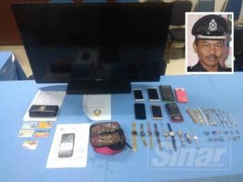 Beberapa barangan yang dipercayai dicuri pasangan suami isteri dirampas di sebuah rumah di Kampung Seri Nering.
