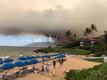 Kebakaran hutan di Pulau Maui tercetus sejak Khamis lalu.