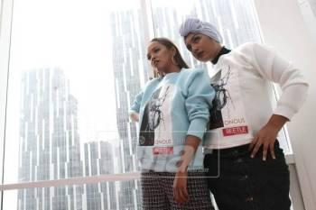TYM (kiri) dan Jaja tampak kasual dalam persalinan koleksi BeetlebyHattaDolmat pada sesi fotografi bersama WOW Femina di Kuala Lumpur baru-baru ini. Foto: Asril Aswandi
