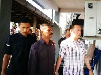 Kedua-dua tertuduh didenda RM1,500 dan diarahkan membayar pampasan sebanyak RM1,000 kepada mangsa.