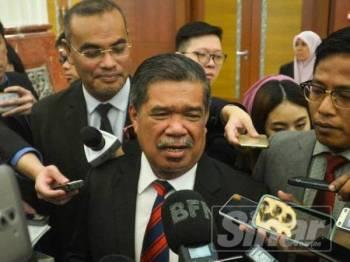 Menteri Pertahanan, Mohamad Sabu di Parlimen hari ini. -Foto Sinar Harian Sharifudin Abdul Rahim