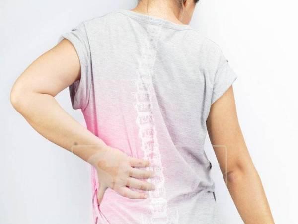 SAKIT tulang belakang kerana kekurangan kalsium dalam badan.