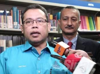 YBhg.  Dato 'Abdul Fattah Abdullah, Presiden ANGKASA ditemubual oleh pengalam media dalam lawatan tinjauan perniagaan C2C League Of Thailand ke ANGKASA di Kelana Jaya,Selangor. Foto:ZAHID IZZANI