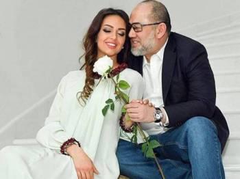 Sultan Muhammad V didakwa telah menceraikan Rihana Oksana yang berasal dari Rusia. - Foto internet