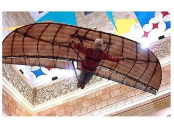 Alat luncur terbang dicipta 'Abbas Ibn Firnas pada 875 Masihi.