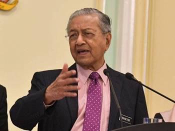 Tun Dr Mahathir - Foto Bernama