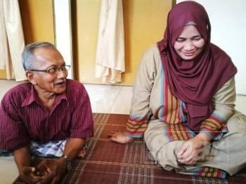 Pasangan istimewa Zainul Abidin dan Siti Rohani bertemu jodoh melalui radio.