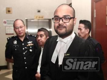 Aaron Chelliah, Timbalan Pendakwa Raya hadir ke Mahkamah Tinggi Kuala Lumpur bagi sebutan Kes bapa Jho Low, Larry Low Hok Peng berhubung perlucutan harta oleh SPRM - FOTO ZAHID IZZANI