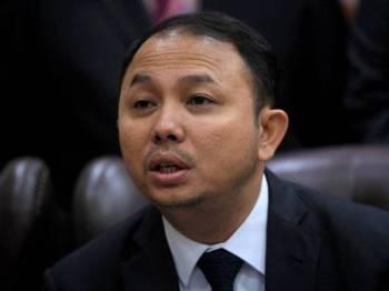 Pengerusi Jawatankuasa Kerja Reformasi Dewan Negara Senator Mohd Yusmadi Mohd Yusoff bercakap pada sidang media ketika Persidangan Dewan Negara di Parlimen hari ini. - Foto Bernama