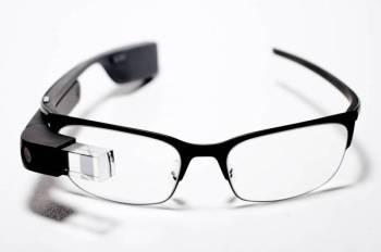 Peranti Google Glass. Sumber foto Internet.