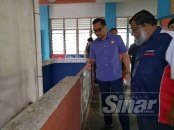 Masalah pencemaran najis burung di SK Tanjung Puteri Resort didakwa sudah berlarutan sejak sekian lama.