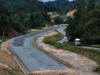 Projek Pan Borneo - Foto Astroawani