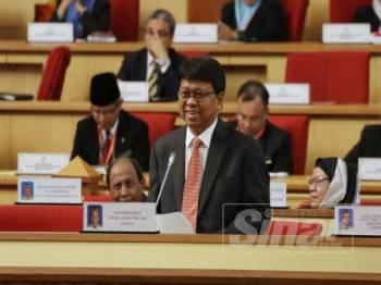 Asmuni pada Persidangan DUN Perak hari ini.