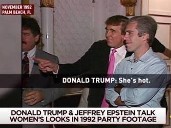 Jeffrey Epstein (kanan) dan Donald Trump dirakam pada satu majlis pada November 1992.