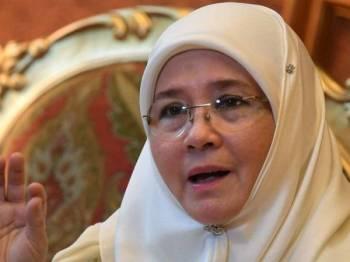 Tunku Azizah Aminah Maimunah Iskandariah.