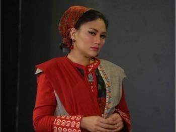 Pelakon, Fasha Sandha