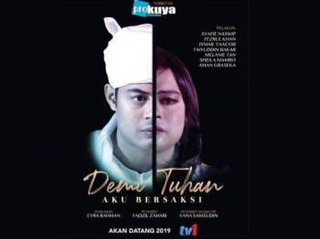 Poster telemovie Demi Tuhan Aku Bersaksi mendapat kritikan netizen susulan poster yang tersebar di media sosial itu mengangkat tema LGBT.