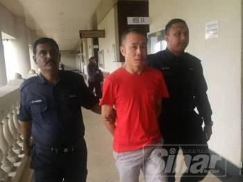 Mahkamah sesyen menjatuhkan hukuman penjara 30 bulan terhadap Chow Mun Fai  atas lapan pertuduhan menghina agama Islam pada Februari lalu.