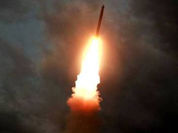 Pelancaran itu dibuat sebagai tanda protes terhadap latihan ketenteraan bersama antara AS-Korea Selatan pada Ahad ini.