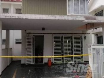 Tong gas meletup di sebuah rumah di Kota Sultan Ahmad Shah hari ini.