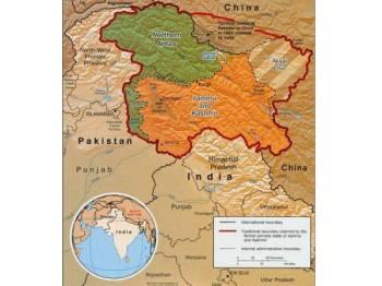 Kashmir terpecah antara Pakistan dan India sejak tamatnya pemerintahan koloni British pada 1947.
