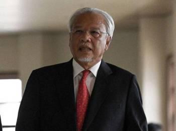Bekas Menteri Kewangan Kedua, Datuk Seri Ahmad Husni Hanadzlah - Foto BERNAMA