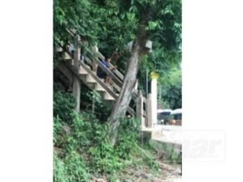 Beginilah suasana di sekitar kawasan Bukit Keluang Besut semasa waktu solat Jumaat.