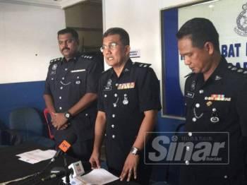 Timbalan Ketua Polis Daerah Iskandar Puteri, Superintendan Ibrahim Mat Som ketika bercakap kepada pemberita.
