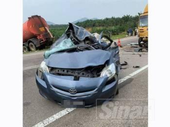 Keadaan kereta Vios dinaiki mangsa maut selepas terlibat kemalangan.