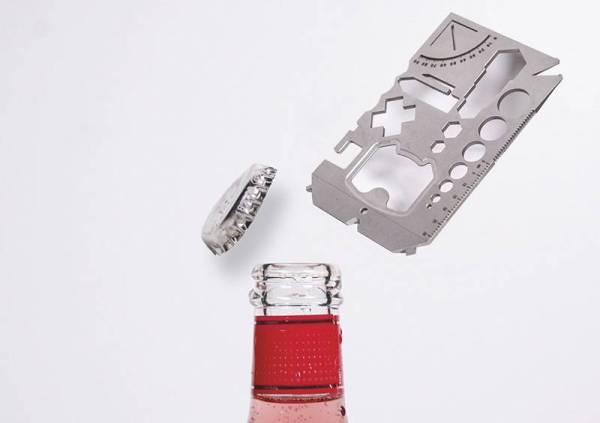 INOVASI terbaharu Disc dengan saiz poket, tool yang diperbuat daripada keluli titanium tahan karat itu boleh berubah menjadi 21 alat penting untuk kerja pertukangan atau pembaikan di rumah.