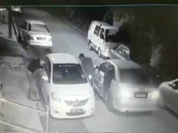 Rakaman CCTV yang memaparkan kejadian berkenaan.