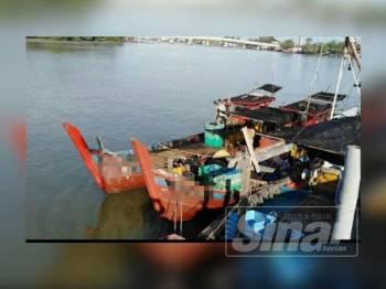 Empat nelayan tempatan bersama dua bot kenka ditahan selepas didapati melanggar syarat lesen.