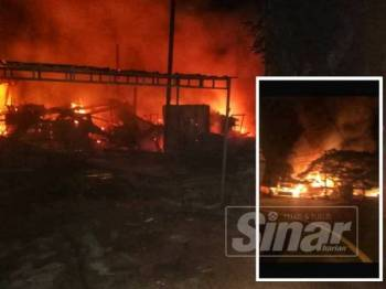 Keadaan tiga deretan kedai yang musnah dalam kebakaran di Kuala Kangsar awal pagi tadi.