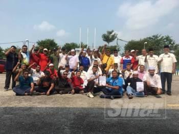 Persatuan Veteran Angkatan Tentera Malaysia (PVATM) Cawangan Merlimau membuat laporan polis menggesa tindakan tegas dikenakan terhadap ahli perniagaan, Koon Yew Yin kerana mengeluarkan kenyataan menghina anggota tentera.