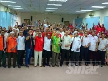 Barisan pimpinan PH yang menghadiri Majlis Retreat PH Kelantan di Pasir Puteh petang tadi.