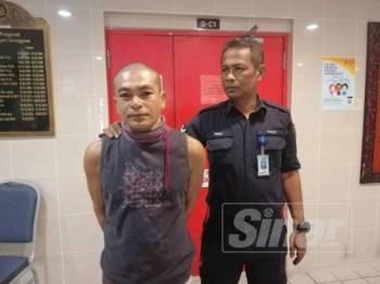 Tertuduh, Noor Azli mengaku salah terhadap pertuduhan melakukan ugutan jenayah dan melakukan khianat dengan merosakkan motosikal milik jirannya di Mahkamah Majistret Kuala Terengganu hari ini.