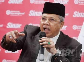 Annuar ketika bercakap pada Wacana Sinar Harian ke-120, Melayu Islam Pasca PRU15 di sini hari ini. - Foto ROSLI TALIB