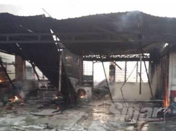 Kebakaran melibatkan sebuah rumah teres kelas A berkeluasan 40x70 kaki persegi.