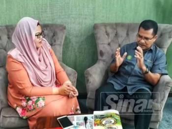Syeikh Zakaria ketika ditemu bual dalam program Sinar Live di pejabatnya di Menara Zakat, Alor Setar.