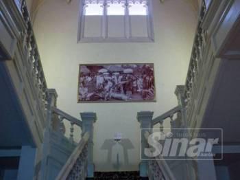 Pelbagai kisah mistik menyelubungi bangunan Carcosa yang berusia lebih 100 tahun termasuk kisah Lady in White. - Foto ZAHID IZZANI