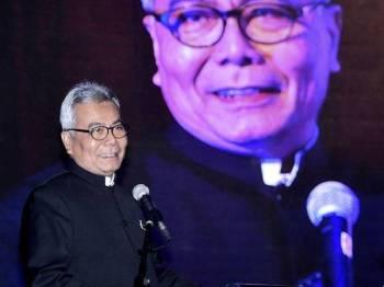 Datuk Seri Mohd Redzuan Md Yusof