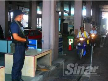 Perkhidmatan motosikal tambang di pintu masuk Malaysia-Thailand kurang mendapat sambutan.