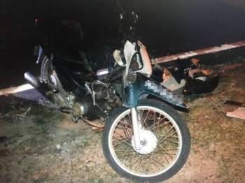 Keadaan motosikal mangsa. - Foto PDRM