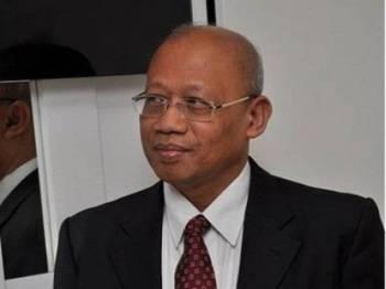 Dr Chamil Wariya