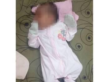 Bayi yang ditinggalkan masih hidup oleh pengawal keselamatan yang membuat rondaan.