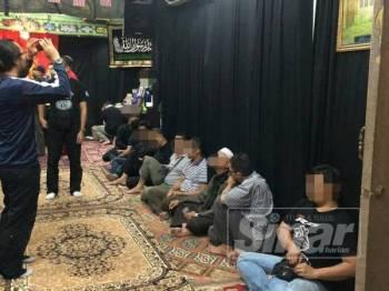 Antara 21 orang yang ditahan di sebuah pusat kegiatan syiah di sini dalam satu serbuan malam tadi.