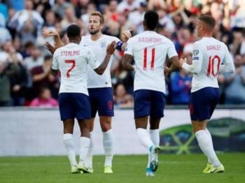 Kane muncul wira England dengan jaringan hatrik ketika menentang Bulgaria semalam.