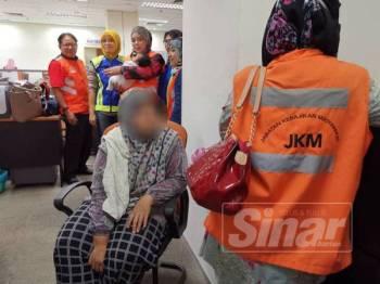 JKM menyerahkan ibu bayi tersebut kepada AADK sementara bayinya dihantar ke Hospital Sultanah Bahiyah, Alor Setar buat sementara waktu.